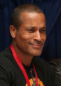 Phil Morris actor